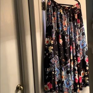 NWT Cupid Floral  Maxi Skirt Sz XL